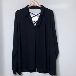 NWT FOREVER 21 • Plus Black Collar Criss Cross Top